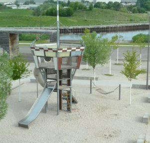 Spielturm der Kitas Flugfeld 1 & 2 in Böblingen
