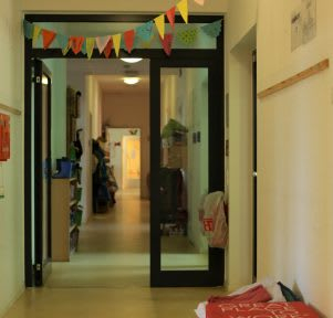 Kita Köln Klinikpänz innen Eingang educcare